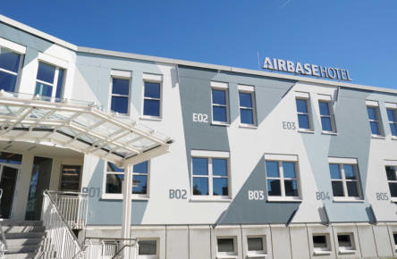 Hotel Airbase